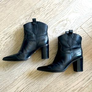 🎉 Schutz Black Leather Cowgirl Booties / Boots